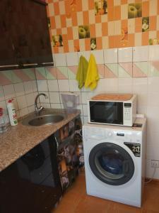 Апартаменты на Ленина, Ferienwohnungen  Adler - big - 6