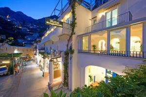 Hotel Bougainville - AbcAlberghi.com