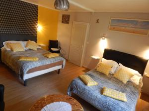 Les Coquillettes, Bed and breakfasts  Honfleur - big - 31