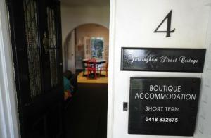 Jerningham Street Cottage, Отели типа «постель и завтрак»  Аделаида - big - 18
