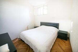 Backyard Apartment in Charming City Center, Ferienwohnungen  Tbilisi City - big - 11