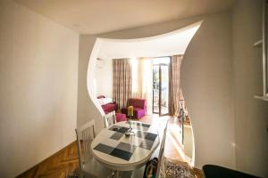 Backyard Apartment in Charming City Center, Apartments  Tbilisi City - big - 5