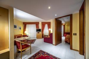 Hotel 5 Miglia, Hotely  Rivisondoli - big - 21