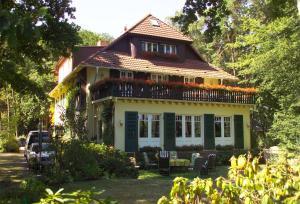 Haus Hubertus, Ferienwohnungen  Ostseebad Boltenhagen - big - 56