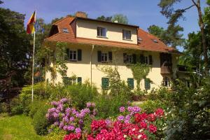 Haus Hubertus, Ferienwohnungen  Ostseebad Boltenhagen - big - 57