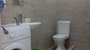 жилои корпус, Apartmanok  Tbiliszi - big - 20