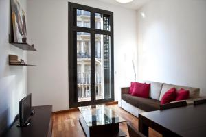 Superior Three-Bedroom Apartment with balcony - Balmes, 8