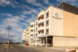 Galway Bay Sea View Apartments, Apartments  Galway - big - 43