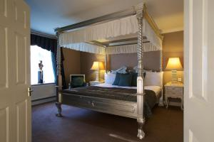 Hallmark Hotel Llyndir Hall (1 of 72)