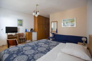 Apartments Staničić, Apartments  Brela - big - 123
