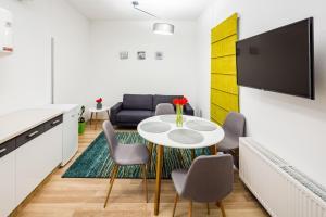 Apart Hotel Code 10, Apartmanhotelek  Lviv - big - 48