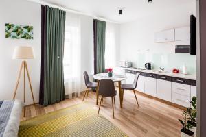 Apart Hotel Code 10, Apartmanhotelek  Lviv - big - 23