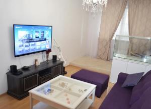 LUX Apartment Kyivska