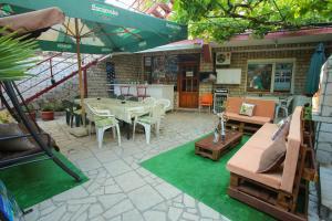 Guesthouse Adi, Penziony  Mostar - big - 49