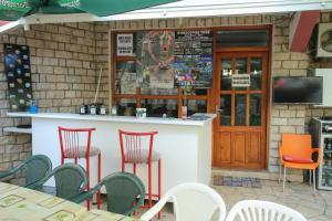 Guesthouse Adi, Penziony  Mostar - big - 50