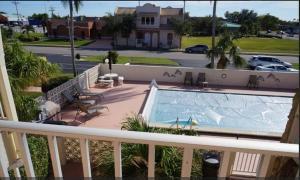 Cape Palms - 2bd/1bath Condo, Holiday homes  Cape Coral - big - 3