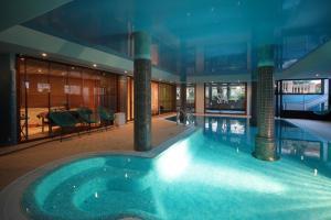 Mon Port Hotel & Spa (6 of 200)