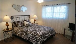 Cape Palms - 2bd/1bath Condo, Holiday homes  Cape Coral - big - 4