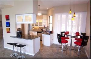 Villa Aurora - SE Cape, Prázdninové domy  Cape Coral - big - 20