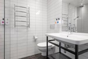 Quality Hotel The Box, Szállodák  Linköping - big - 7