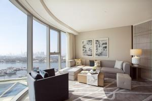 Club Rotana Suite Creek view