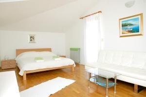 Beach Step Apartment, Apartmány  Poreč - big - 24