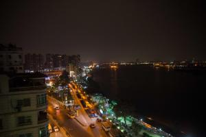 Condo by the Nile, Apartments  Cairo - big - 9