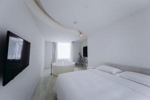 Snow Double Room