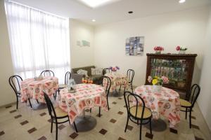 Hotel Tosi, Hotel  Riccione - big - 62