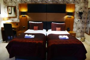 Superior Double or Twin Room With Bath
