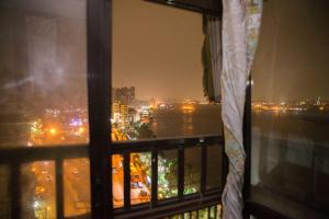 Condo by the Nile, Apartments  Cairo - big - 5