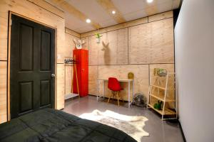 Warehouse Apartment + Netflix, Games Room and Sauna, Apartmanok  Melbourne - big - 3