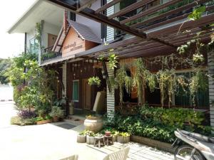 Baan Jaru, Гостевые дома  Чианграй - big - 56