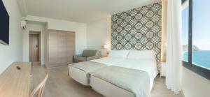 Triple Room with Sea View without Terrace 3 Adults