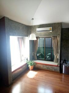Baan Jaru, Гостевые дома  Чианграй - big - 63