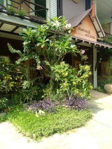 Baan Jaru, Гостевые дома  Чианграй - big - 96