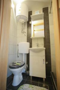 Guesthouse Adi, Penziony  Mostar - big - 11