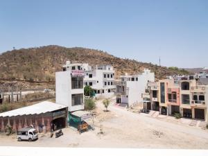 OYO 14110 Home Modern Stay Janakpuri, Apartments  Udaipur - big - 13