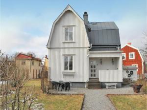 Three-Bedroom Holiday Home in Karlstad