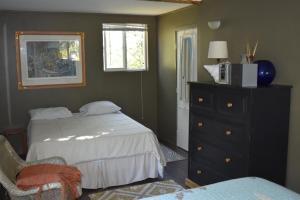 Three-Bedroom Artist House