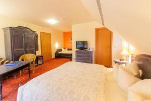 Kurhaus Devin, Hotely  Stralsund - big - 37