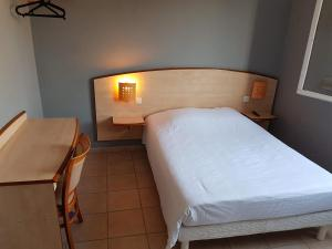 Hotel Low Cost, Hotely  Pollestres - big - 1