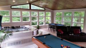 The Golf House, Hétvégi házak  Radcliff - big - 22