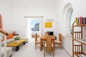 Villa Mariuccia Capri, Apartmanok  Capri - big - 52