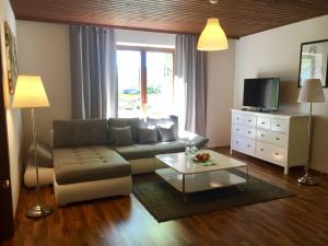 Promenaden-Strandhotel Marolt, Hotely  Sankt Kanzian - big - 6