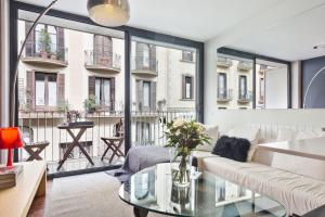 Two-Bedroom Apartment - Calle Prats de Mollo, 14
