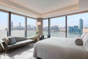 Club Deluxe King or Twin Room with Harbour View