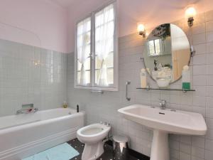 Holiday home Maison Amouroux, Ferienhäuser  Villefranche-du-Périgord - big - 13