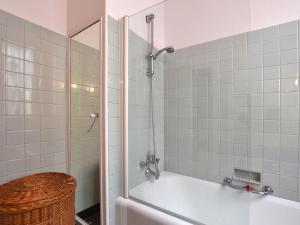 Holiday home Maison Amouroux, Ferienhäuser  Villefranche-du-Périgord - big - 18