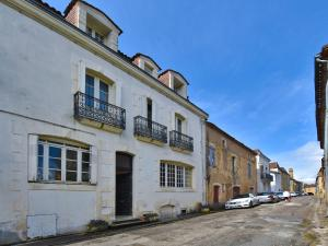 Holiday home Maison Amouroux, Ferienhäuser  Villefranche-du-Périgord - big - 23
